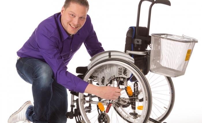 Welzorg geeft u advies en tips voor uw hulpmiddel. Denk aan een rolstoel, scootmobiel of een ander hulpmiddel