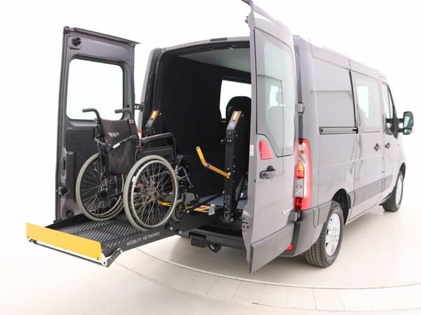 Renault Master Rolstoelbus lift