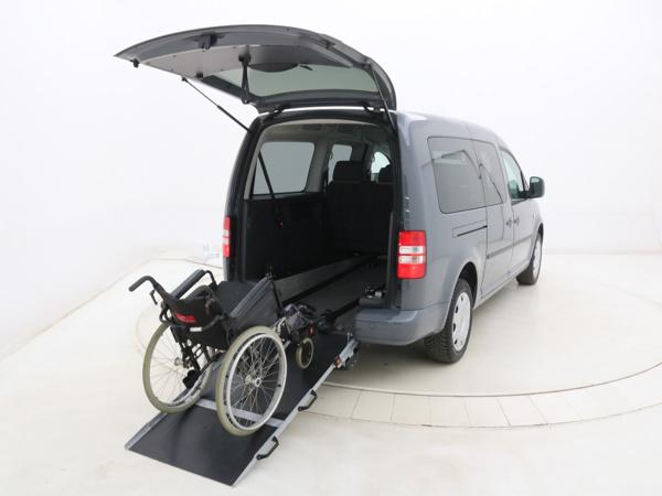 Reeds aangepaste rolstoelauto